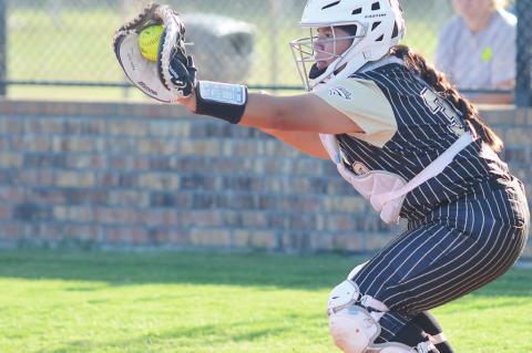 Allen catcher Kaylee Davis