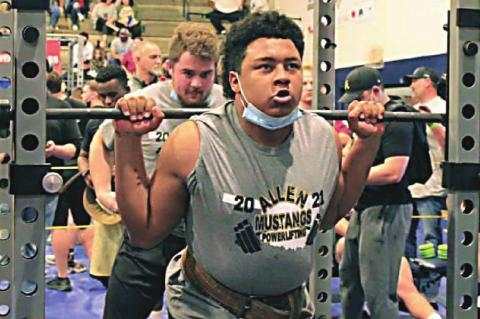 Mustang Powerlifters end season at State Meet