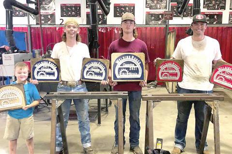 Three Allen FFA members
