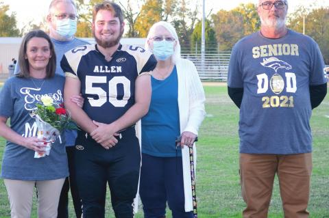 Football / Cheer Seniors and Parents Honored